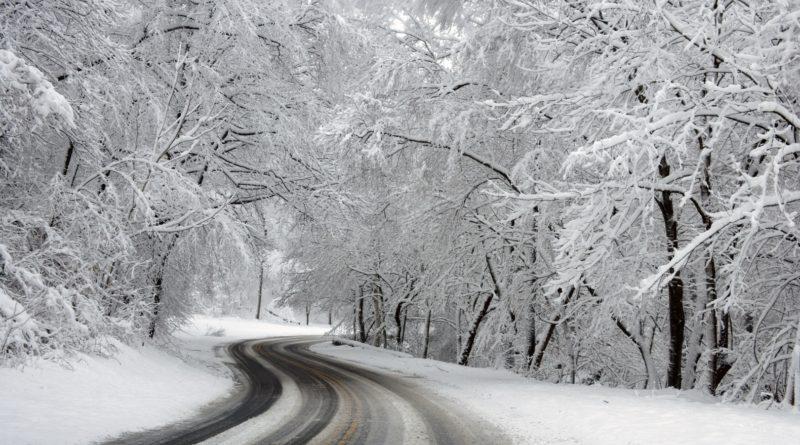 zasnezena silnice